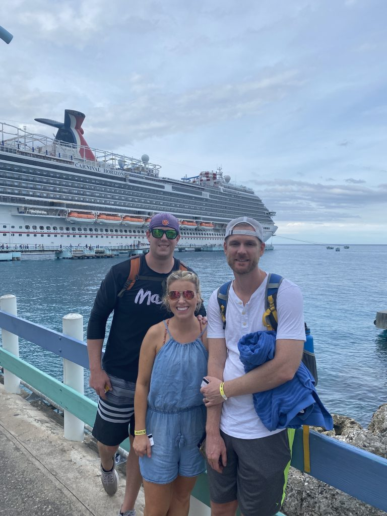 pictures in front of the carnival horizon